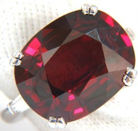 14.95ct. Natural Red Oval Spessartite Garnet Diamonds