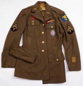 Wwii Usmc Uniform With Bronze Star And Patches