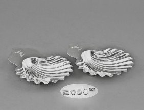 PAIR OF GEORGE III STERLING SILVER BUTTER DISHES