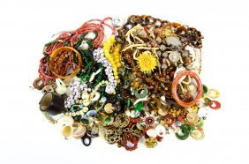 A Quantity Of Assorted Costume Jewelry