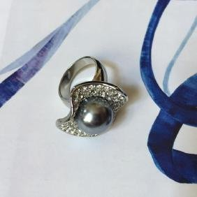 Swarovski Crystal Black Pearl Oyster Ring