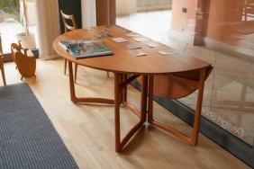 Hvidt And Molgaard, Table