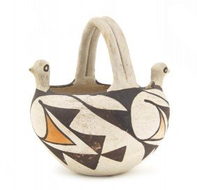 An Acoma Bird Head Effigy Basket, Height 6 X Diamet