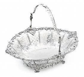 A George III Silver Basket, William Plummer, Width