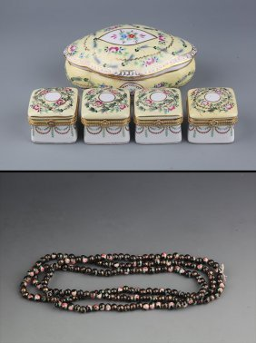 A Set Of Porcelain Make Up Box And Porcelain Necklace