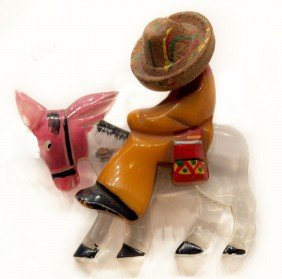 FIGURAL BAKELIGHT BROOCH, MEXICAN SOMBERO BURO