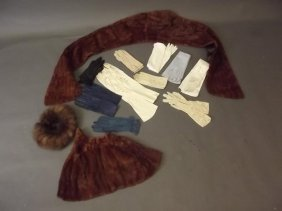 A Collection Of Lady's Vintage Gloves In Chamois And