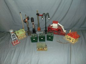 Large Lot Of Lionel Pre-war Accessories