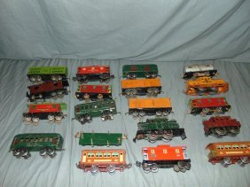 Large Lionel Train Lot, Locos, Pass, Freight Cars