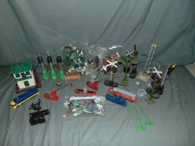 Lot Of Lionel Accessory Parts And Lights