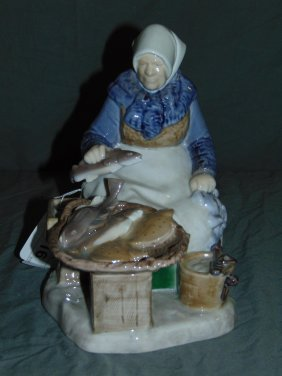 Bing & Grondahl Figurine, Fish Market Woman