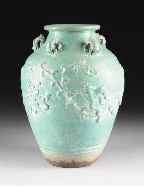 A Large Chinese Green Glazed Pottery Jar,