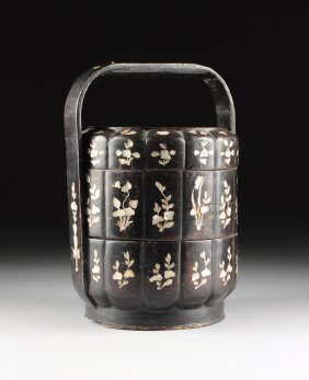 A Vintage Chinese Mother-of-pearl Inlaid Black