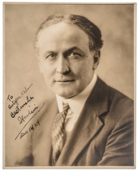 1924-dated Harry Houdini Autograph Photo Signed
