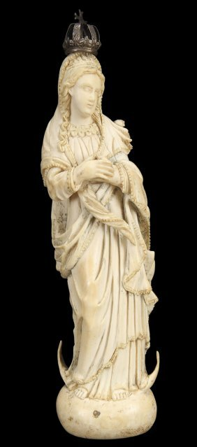 GOANESE CARVED IVORY FIGURE OF THE VIRGIN