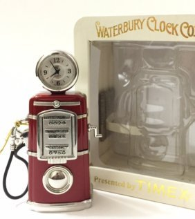 Vintage/rare Waterbury Gas Pump Mini Clock