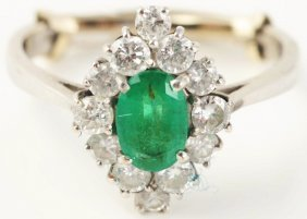 18k White Gold Emerald Diamond Ring.