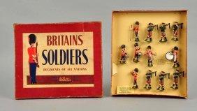 Britains No. 2096 Irish Guard Figures.