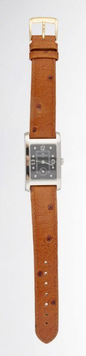 A Gent's Strap Watch, Baume & Mercier.