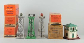 Lot Of 5: Lionel Tower & Beacons.