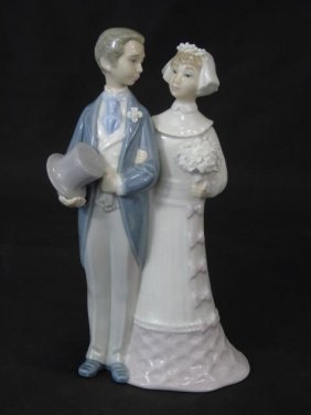 Lladro Porcelain Bride & Groom Statue