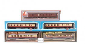OO Gauge - A Group Of Passenger Rolling Stock