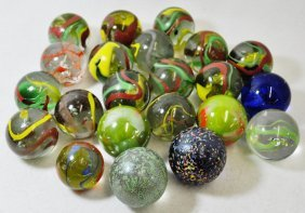 20th Century Machine Made 1.5-1.875 Inch Swirl Marbles