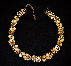 Trifari Pearl Mistletoe Choker Necklace Gold