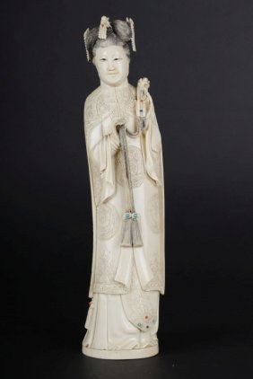 Ivory Decorative Sculpture Of Empress
