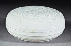 Chinese White Glazed Porcelain Cosmetic Box