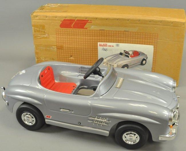 300sl mercedes benz pedal car lot 1148 for Mercedes benz pedal car