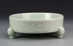 Chinese Antique Celadon Glazed Tripod Brush Washer