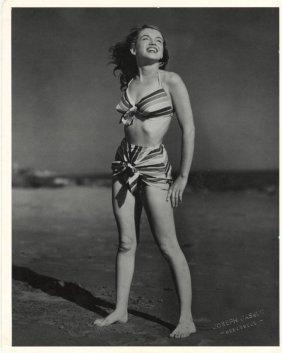 Joseph Jasgur: Marilyn Monroe At Zuma Beach.