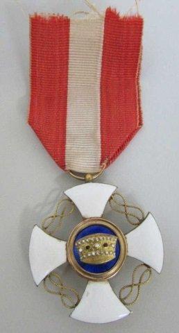 Wwi Italy Order Of Crown Medal 18k Gold Enamel