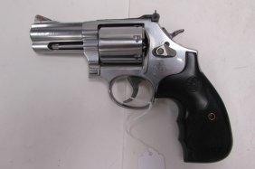 Smith & Wesson 886-8 357 Magnum Revolver Handgun