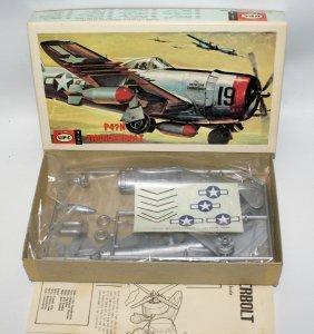 Upc 1:72 P-47 Thunderbolt Wwii Fighter Jet Plane Model