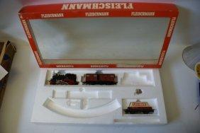 Fleischmann Ho #6370 Starter Set - 80 005 Loco & 2 Cars