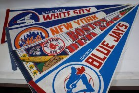 Lot Of 4 Baseball Pennants Banners Flags, White Sox,
