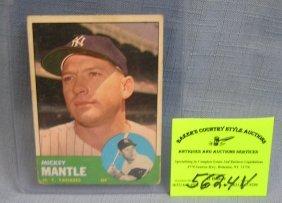 Vintage Topps Mickey Mantle Baseball Card