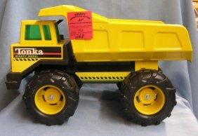 Large Scale Tonka Mighty Diesel Dump Truck
