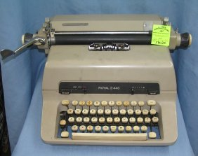 Vintage Royal No. 440 Typewriter
