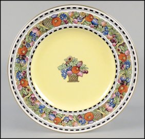 SET OF ELEVEN WEDGWOOD DINNER PLATES.