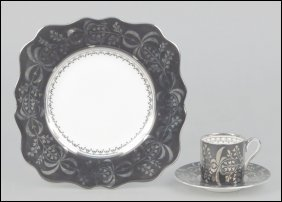 WEDGWOOD PORCELAIN TABLE SERVICE.