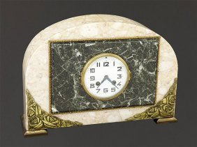 An Art Deco Mantle Clock.