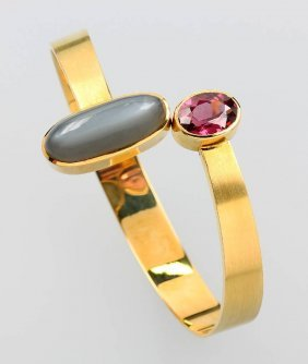 18 Kt Gold Bangle With Moonstone And Rhodolite