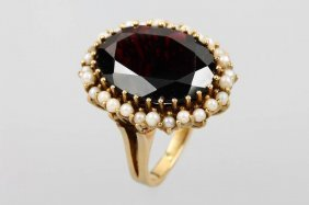 14 Kt Gold Ring With Garnet And Pearl