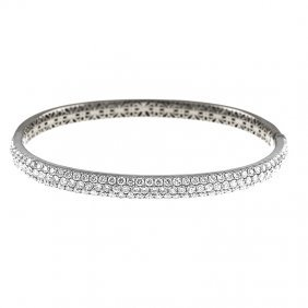 18kt White Bangle With Diamonds