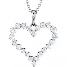 14kt White 1 Ctw Diamond Heart Necklace