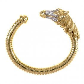 18kt Yellow Cuff Horse With Diamond