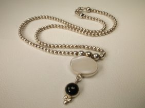 Gorgeous Navajo Sterling Silver Onyx Necklace Qt